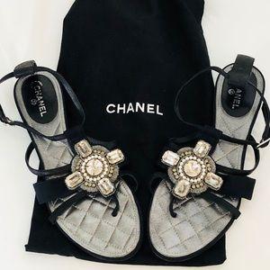 Chanel crystal pearl embellished sandals. 38.5
